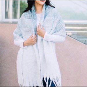 MER SEA & Co. Cozy Blanket Scarf Teal Ombré Sz OS